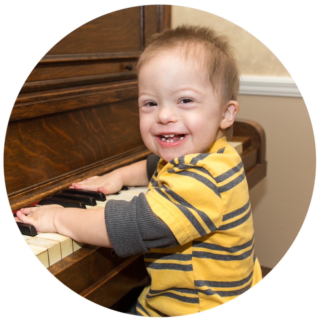 ComMusicate™️ - Baby playing piano